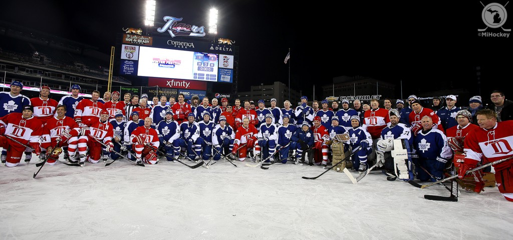 Red Wings and Maple Leafs greats pose for a group photo after the second game of the Alumni Showdown at Comerica Park. (Photo by Tom Turrill/MiHockey)