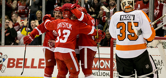 The Red Wings welcomed Philadelphia Flyers to Joe Louis Arena Wednesday night, and the home team started their Thanksgiving celebrations by posting a 5-2 win on the scoreboard. […]